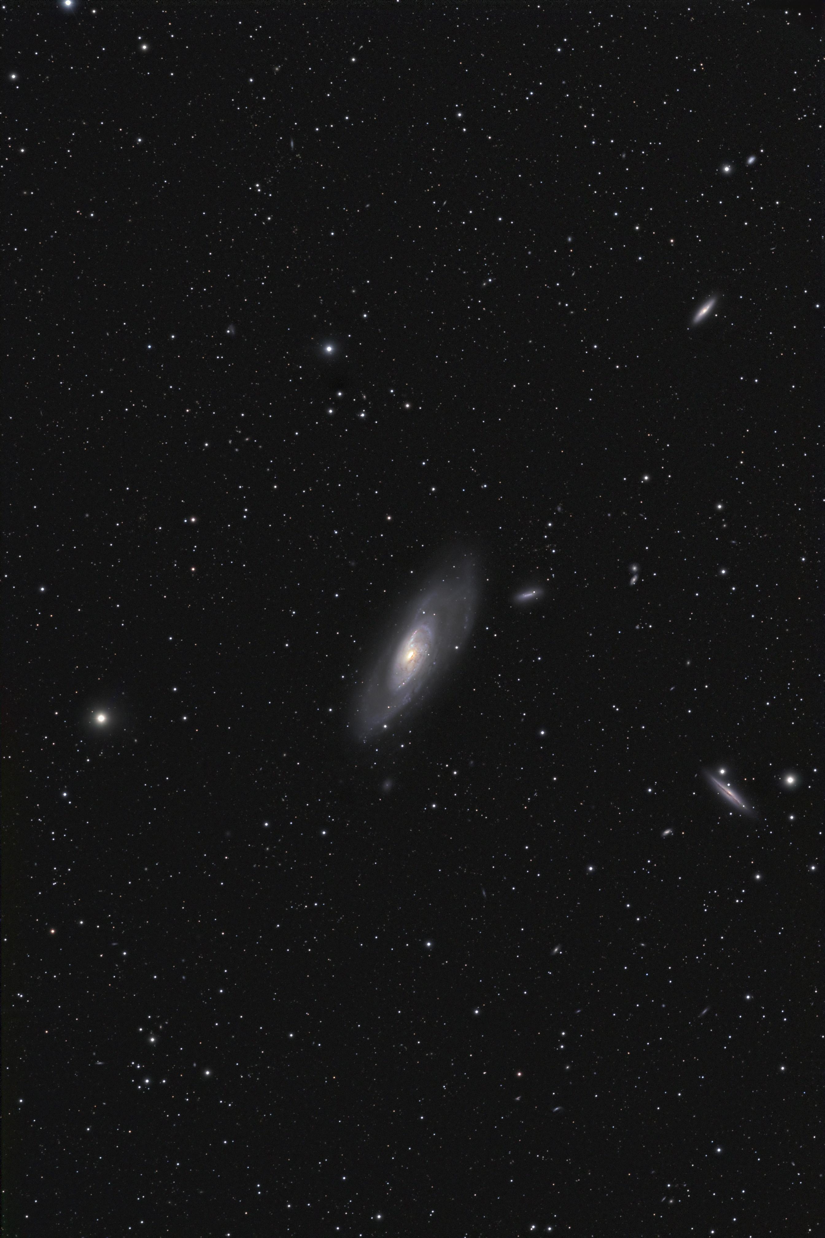 galaxis_m106l